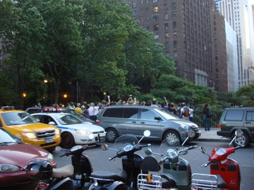 manhattanhenge crowd
